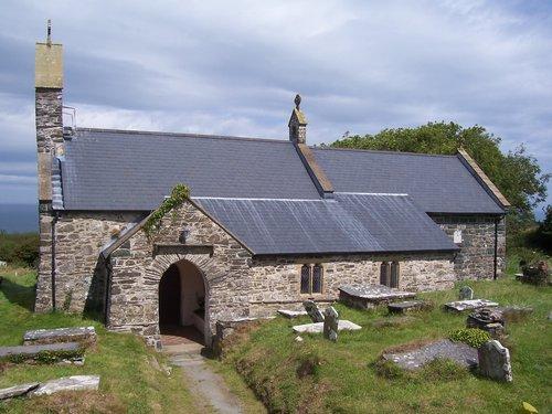 Llanwnda St Gwyndaf's Exterior
